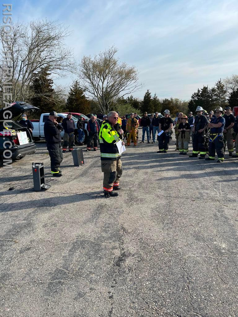 Retired Deputy Chief Kevin Quinn from UFD who was the drill Safety Officer gives a briefing